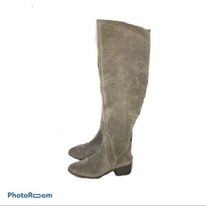 BRAND NEW Vince Camuto knee high suede boots